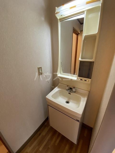 Gフォータン18 301号室の洗面所