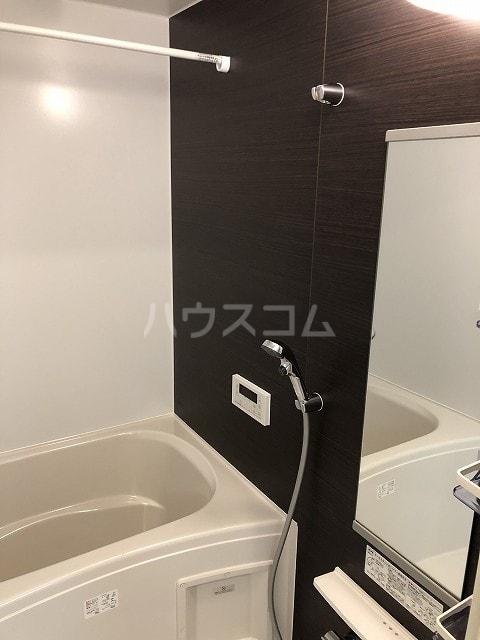 リバティー半崎 01030号室の風呂