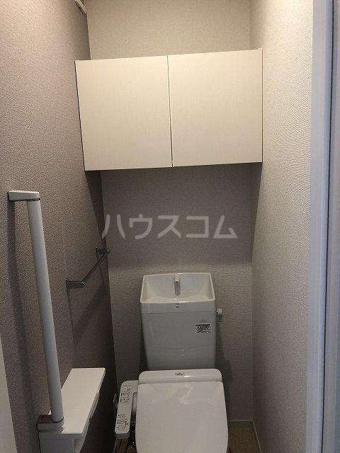 リバティー半崎 01030号室のトイレ