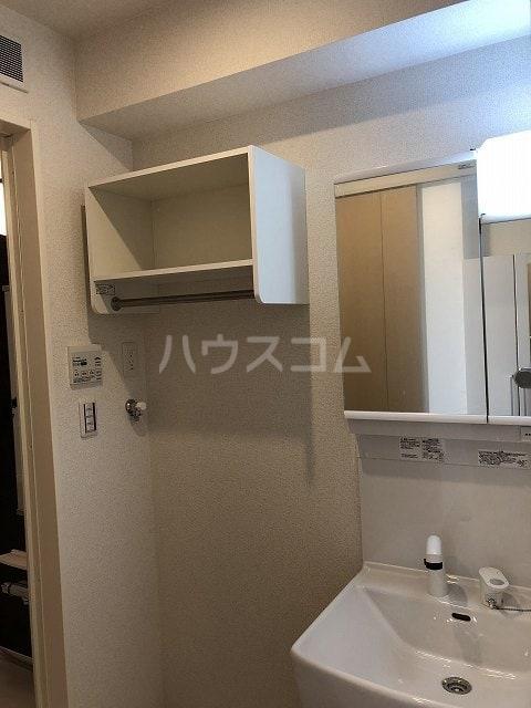 リバティー半崎 01030号室の洗面所