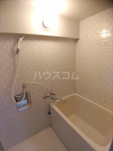 一本木マンション 303号室のキッチン