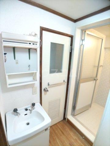 一本木マンション 303号室の風呂
