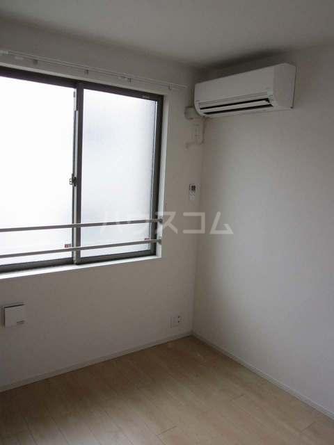 ラ・カーサ ラルーチェ高浜 02040号室のベッドルーム