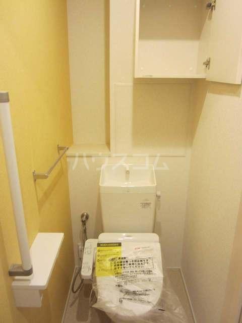 ラ・カーサ ラルーチェ高浜 02040号室のトイレ