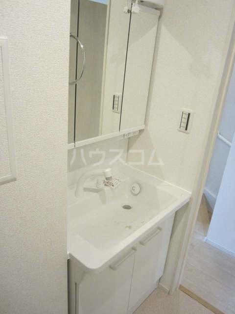 ラ・カーサ ラルーチェ高浜 02040号室の洗面所