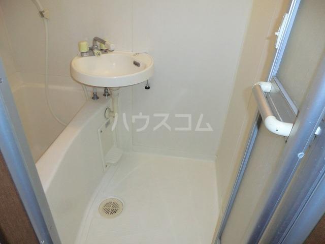 カトウハイツ 103号室の洗面所