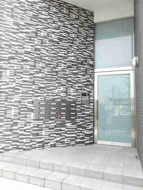 サニーブローテ カネサワ 01030号室のエントランス