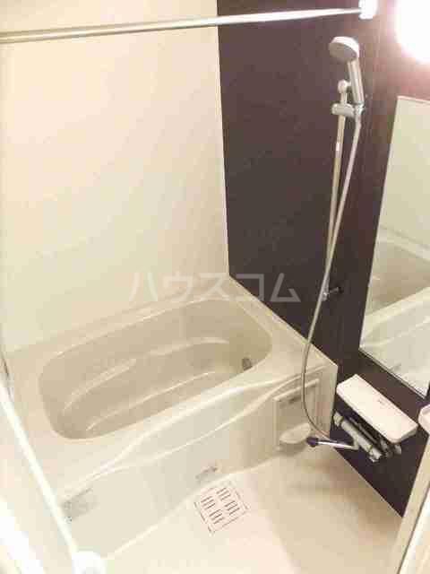 サニーブローテ カネサワ 01030号室の風呂