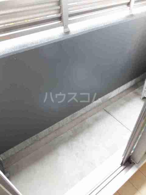 サニーブローテ カネサワ 01030号室のバルコニー