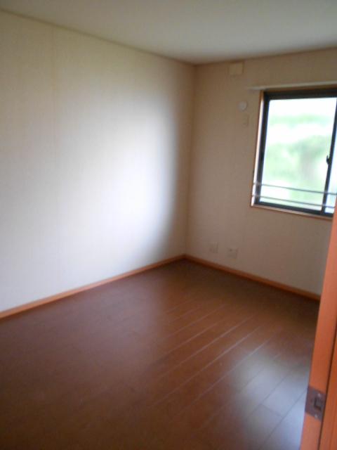 グリーンアヴェニューF 202号室のリビング