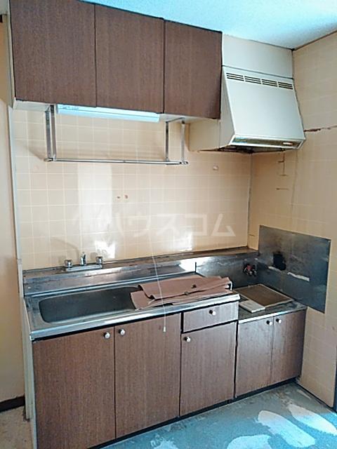 メゾンヤマジュ 106号室のキッチン