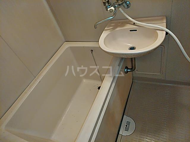 メゾンヤマジュ 106号室の風呂