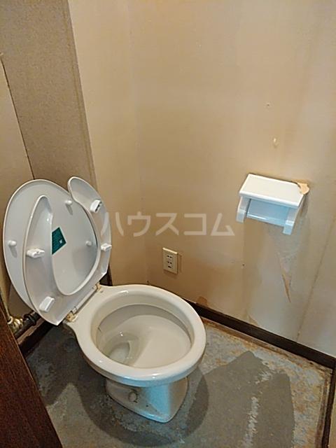 メゾンヤマジュ 106号室のトイレ