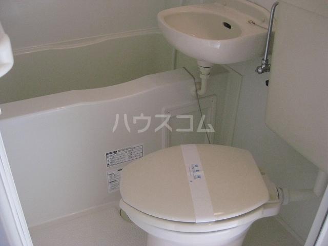 ユナイト衣笠ピッカーニャ 203号室のトイレ