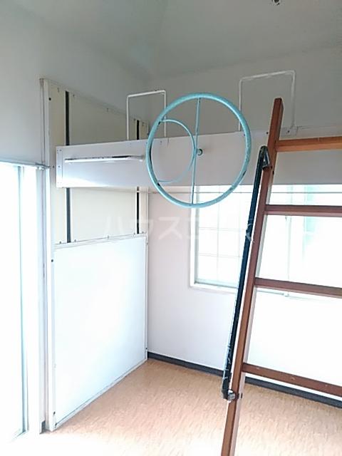 パンシオン堀ノ内 206号室のリビング