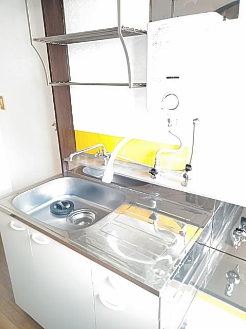 ハルハイツ 202号室の玄関