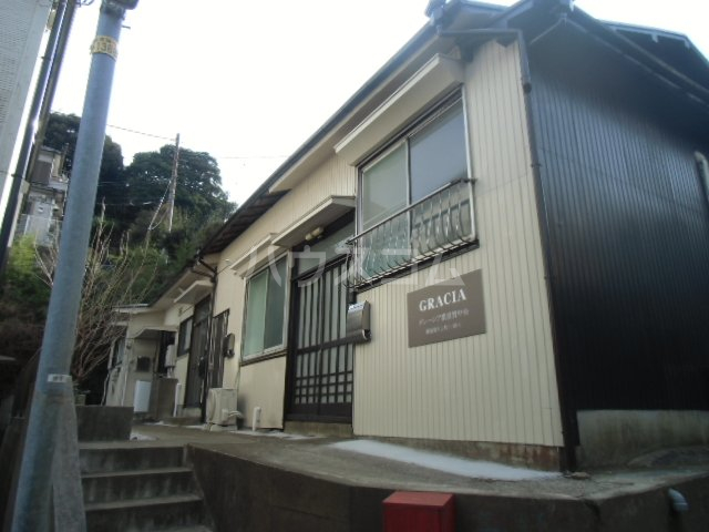 グレーシア横須賀中央 103号室のロビー