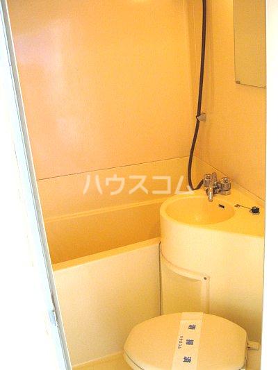 プラザ・ドゥ・セリーズ 103号室のトイレ