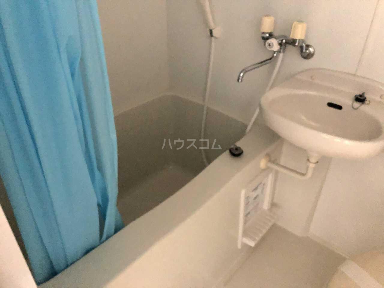 プレシャス汐入 202号室の風呂