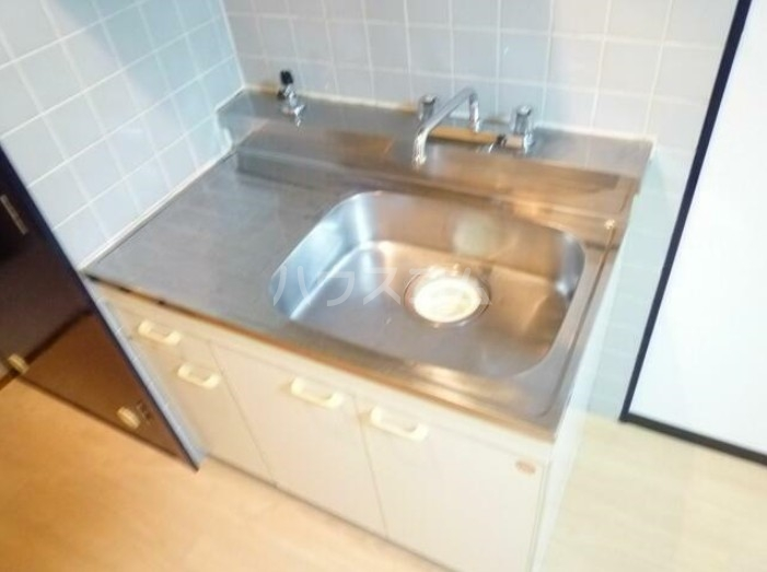 サンヨーズマンション 201号室のキッチン