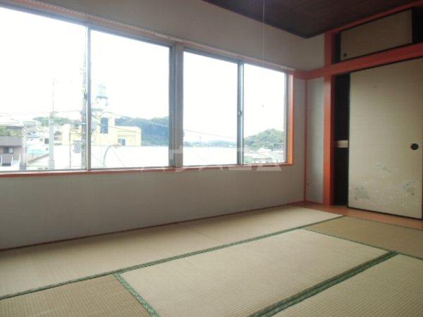 高田ビル 302号室の居室