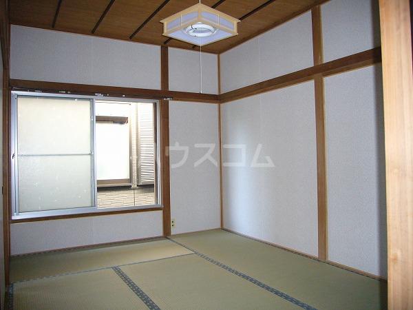 嘉山荘 202号室の居室