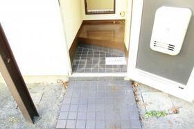 YSハイム 101号室の玄関