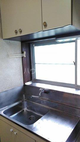 榎本アパート 201号室のキッチン