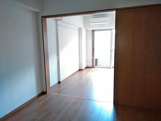 アンベリール マーロ北綾瀬Ⅰ 103号室の居室