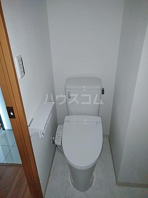 アンベリール マーロ北綾瀬Ⅰ 103号室のトイレ
