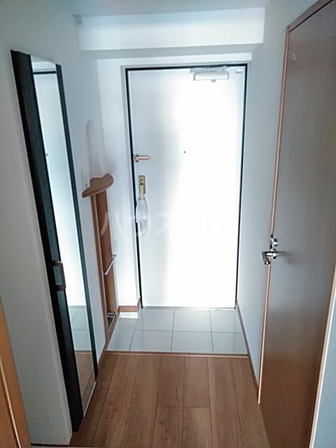 アンベリール マーロ北綾瀬Ⅰ 103号室の玄関