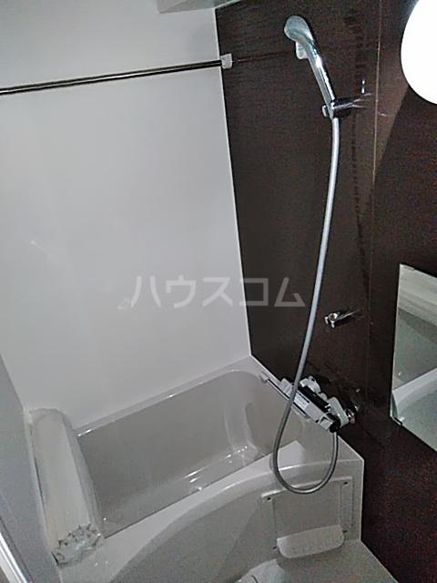 アンベリール マーロ北綾瀬Ⅰ 603号室の風呂