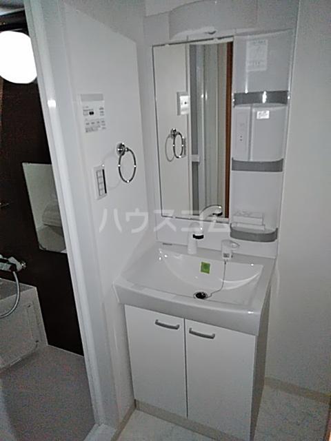 アンベリール マーロ北綾瀬Ⅰ 603号室の洗面所