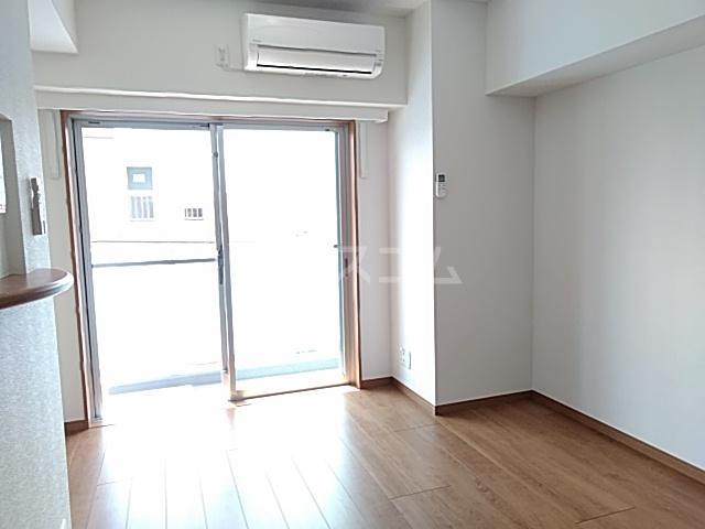 アンベリール マーロ北綾瀬Ⅰ 505号室の居室
