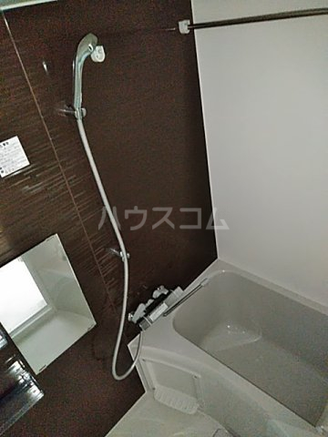 アンベリール マーロ北綾瀬Ⅰ 505号室の風呂