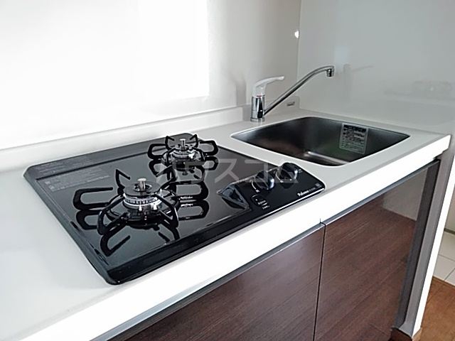 アンベリール マーロ北綾瀬Ⅰ 505号室のキッチン