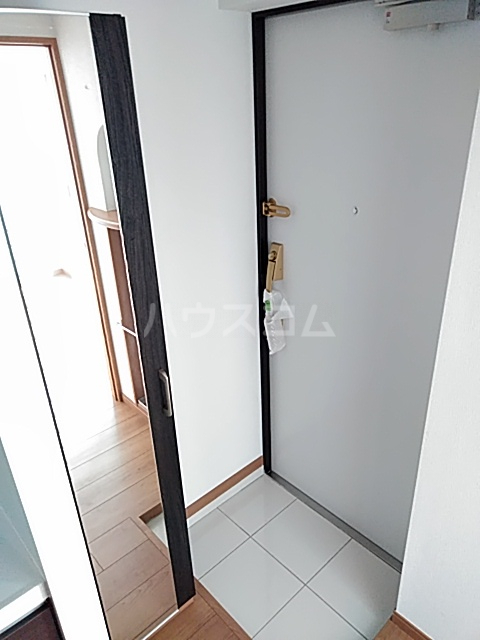 アンベリール マーロ北綾瀬Ⅰ 505号室の玄関