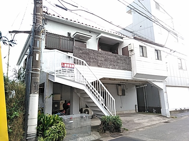 鈴木アパート 2F号室の外観