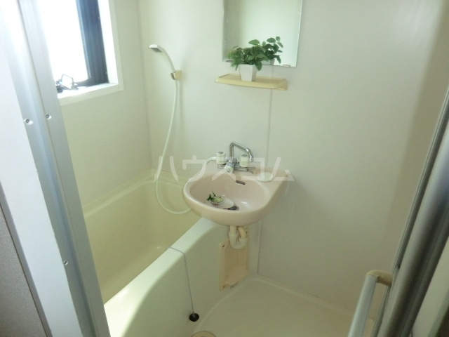 MSSビル 302号室の洗面所