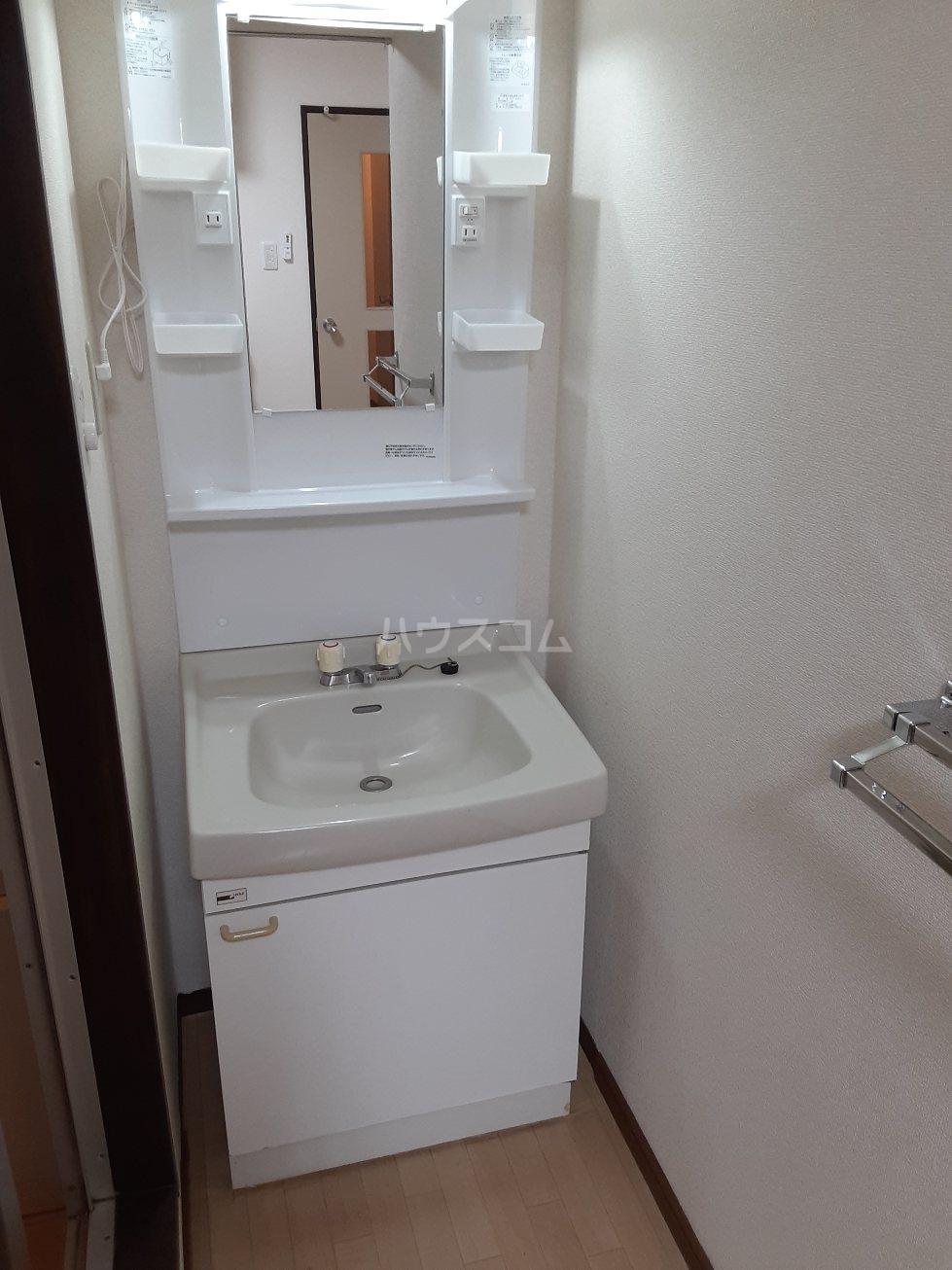 シャンボール今伊勢A 103号室のトイレ