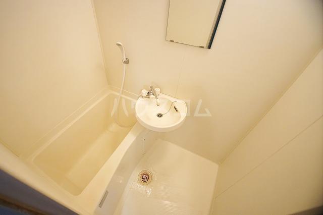 プラン・ド・ビ藤崎 303号室の風呂
