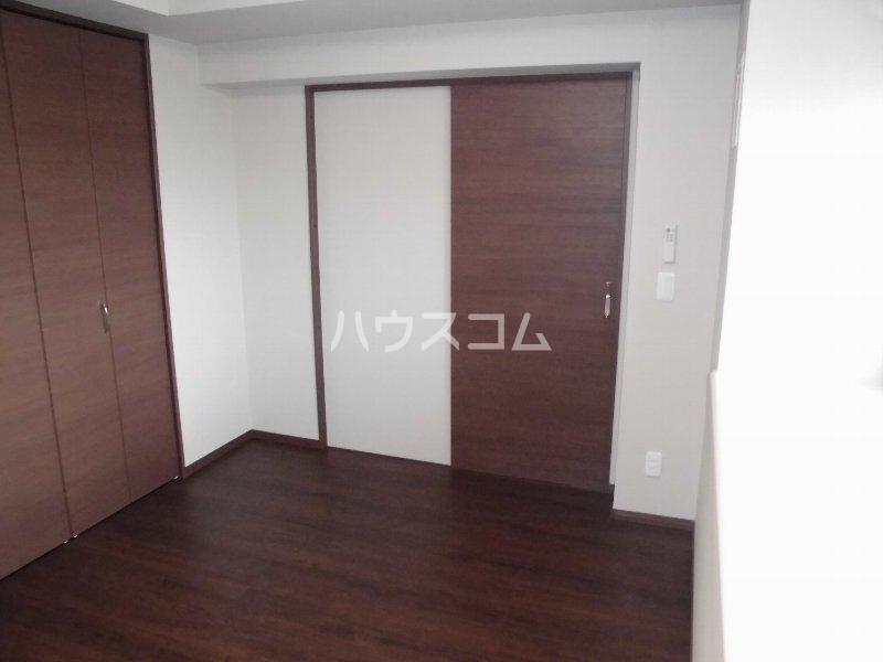 メゾン・デュ・パーク新都心 202号室の居室