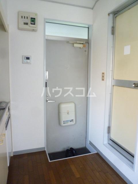 ラ・カシータ久が原 105号室の玄関