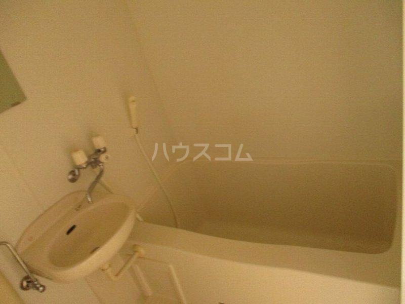 龍ハイツ 723号室の風呂