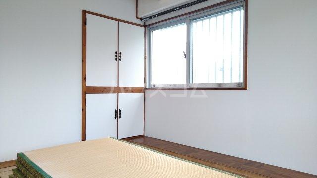 一鳩マンション 205号室の居室