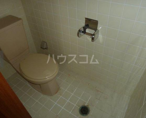 グリーンハイツ知念 403号室のトイレ
