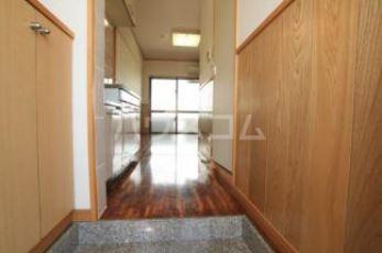 トーマス宜野湾 405号室の収納