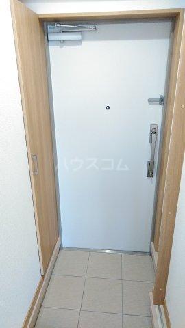 Meith GUSHI 402号室の玄関