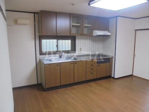 ライオンズプラザ宇栄原 103号室のロビー