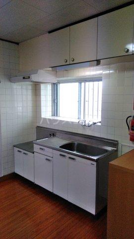 大漁マンション 405号室のキッチン